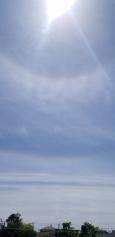 日暈と彩雲