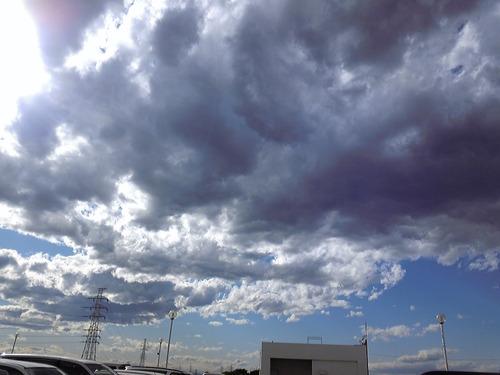 雲、もくもく
